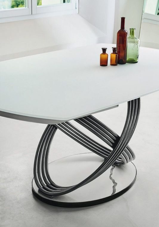 Fusion Table closeup with chairs